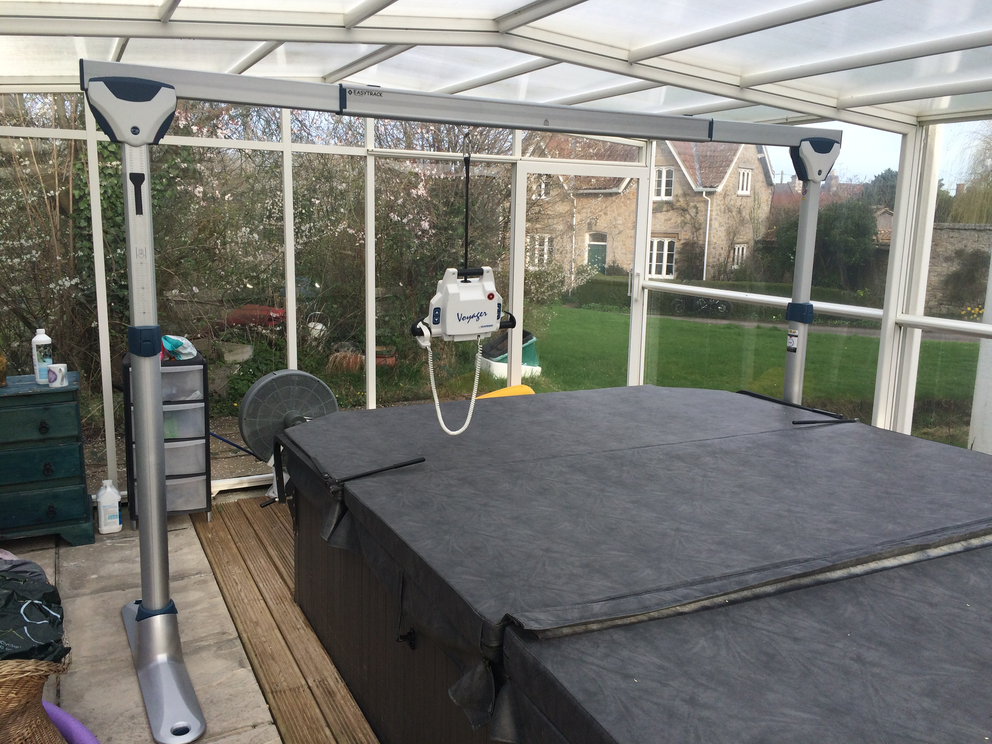 Easytrack FS with a Jacuzzi