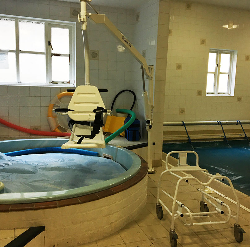 oxford dipper pool hoist with ranger seat